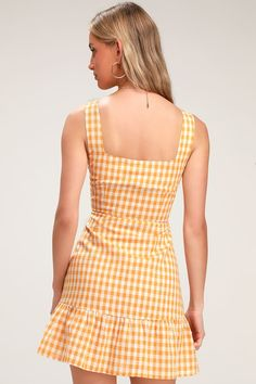Grab your basket and head to the park for a picnic in your Lulus Dollface Mustard Yellow Gingham Pint Ruffled Mini Dress! Casual Summer Dresses, Summer Outfits Women, Dresses For Teens, Simple Dresses, Pretty Dresses, Dresses Online, Girls Dresses, Women's Dresses, Frock Fashion
