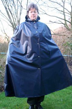 Cape Regencape Raincape Impermeable 100% PVC in Kleidung & Accessoires, Damenmode, Jacken & Mäntel | eBay