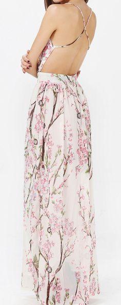 I like the cut if this maxi dress