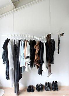 tumblr l924ej0scl1qbt7q5o1 500 Een tak als kledingrek