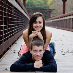 Couple picture idea (: love this !