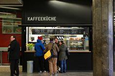 che - Coffee-to-Go Ecke in der Schottentor-Passage Coffee To Go, Broadway Shows