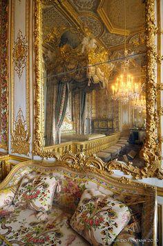 Marie Antoinette's bedroom  Versailles Such Opulence  Bella Donna Luxury Designs