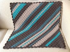 diagonal stripe crochet blanket - color combination