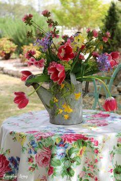Spring Blooms, Spring Flowers, Picnic Spot, Flower Landscape, Landscape Design, Garden Design, Finding Joy, Daffodils, Vintage Flowers