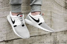 Nike Roshe Run One Black White Grid