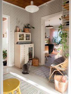 Hallway Decorating, Vintage Decor, Porch, Shed, Loft, Wallpaper, House, Furniture, Home Decor