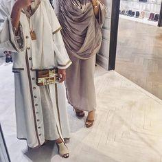 You can never go wrong with earthy tones#abaya#modestfashion