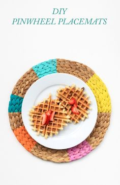 DIY Pinwheel Placemats (click through for full tutorial!)