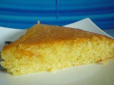 Bonjour à toutes et à tous, Voici un pavé au citron ter-ri-ble-ment moelleux et délicieux à souhait ! PAVE AU CITRON Pour 4 à 6 Gourmands : - 150 grs de sucre en poudre - 150 grs de beurre mou - 120 grs de lait - 2 oeufs - 200 grs de farine - 1 pincée...
