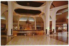 Center area of Park City Mall in it's early days (probably early / mid 1970's) in Lancaster PA   Image may contain: indoor