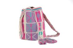 Beautiful pastel colors on this mochila