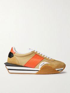 Tom Ford Shoes, Shoes Sneakers, Man Shoes, Black Rubber, Shoe Box, Fashion Advice, Fashion Bags, Me Too Shoes, Calves