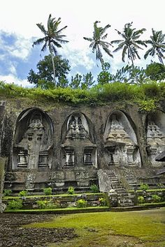 Tombs of the King's concubines, Gunung Kawi, near Ubud, Bali, Indonesia, Southeast Asia