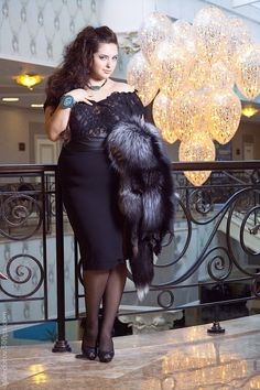 "#curvy #sexy #thick  Classic and gorgeous curvy woman <3     ""if you like my curvy girl's fall/winter closet, make sure to check out my curvy girl's spring/summer closet.""   http://pinterest.com/blessedmommyd/curvy-girls-springsummer-closet/pins/"