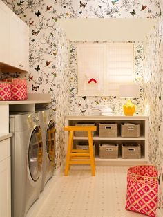 House of Turquoise: Cheryl Scarlet of Design Transformations.love the design of the laundry room, not so much the wall paper. Tiny Laundry Rooms, Laundry Room Organization, Laundry Room Design, Small Laundry, Laundry Baskets, Laundry Closet, Mud Rooms, Compact Laundry, Laundry Drying