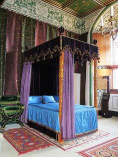 Stirling Castle - Palace - Queen's Bedchamber.   New project. Scottisch. Classic Style.