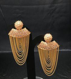 Bollywood Jewelry - Indian Jewelry - Kundan Earrings - Chandelier Earrings - Multi Layer Rani Earrings - Pakistani Jewelry - Bridal Wedding - New Ideas Small Gold Hoops, Small Gold Hoop Earrings, Gold Earrings Designs, Unique Earrings, Chain Earrings, Beautiful Earrings, Pakistani Jewelry, Bollywood Jewelry, Bollywood Bridal