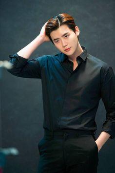 Lee Jong Suk Hot, Lee Jung Suk, Asian Actors, Korean Actors, Lee Jong Suk Wallpaper, Kang Chul, Park Hae Jin, Song Joong, Park Bo Gum