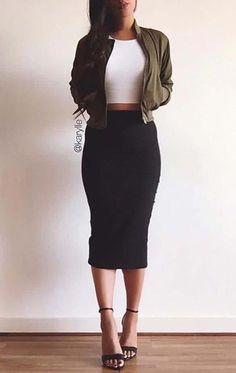 60 Winter Date Outfits Casual Ideas Naturally youre want to seem good but you will also need to truly feel comfortable to guarantee you like the date. Think hard about the venue durin. Look Fashion, Fashion Models, Fashion Outfits, Womens Fashion, Fashion 1920s, Autumn Fashion Women Casual, Fashion News, Fashion Brands, Woman Outfits