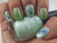 Nails by Tenshi: Geek side There's a zombi in the lawn We don't want zombies in the lawn #NailArt #PlantsvsZombies #Bissú