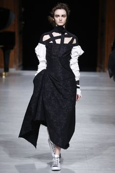 Aganovich Fall 2016 Ready-to-Wear Fashion Show