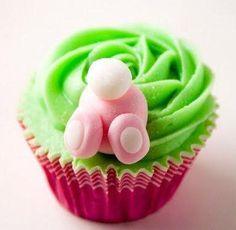 easter bunny cupcakes- I am assuming chocolate flavored cake. Easter Bunny Cupcakes, Cute Cupcakes, Easter Treats, Cupcakes Oreo, Bunny Cakes, Gourmet Cupcakes, Oreo Truffles, Strawberry Cupcakes, Velvet Cupcakes