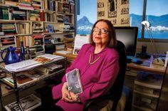 A escritora Nélida Piñon abre sua casa e fala sobre não formar uma família