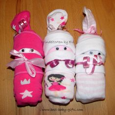 cute way to 'wrap' a baby onesie and a pair of socks: rolled onesie babies Creative Baby Gifts, Best Baby Gifts, Baby Gift Wrapping, Baby Wraps, Baby Socks, Onesies, Baby Onesie, Newborn Gifts, Home Crafts