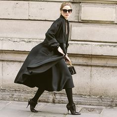 Dressed up with plenty of places to go – in this particular situation, the Dior AW17 runway show – OP proves again that sometimes the New York uniform of all black is the only way to go…