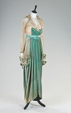 1912-1913 Lucille evening dress.