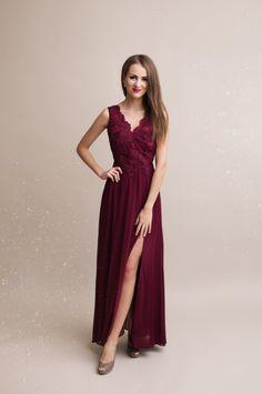 46221b05262a Dámské plesové a společenské dlouhé šaty Rosie. Společenské dlouhé šaty. Krajkový  živůtek ...