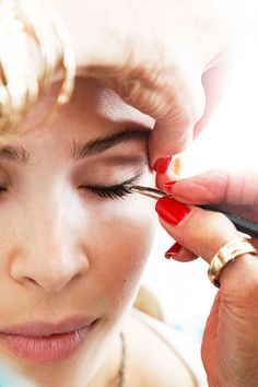 How to Make Your Eyes Look Bigger - Sandy Linter #Makeup Tips - ELLE
