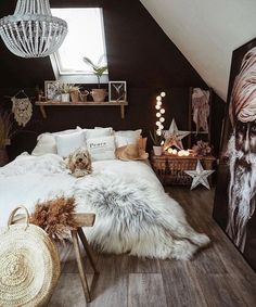 Boho bedroom dark walls monochrome with sheepskin for a cosy vibe wood floors lo. Boho bedroom dark walls monochrome with sheepskin for a cosy vibe wood floors lo Boho Boho Bedroom Decor, Bohemian Decor, Bohemian Flowers, Design Bedroom, Small Room Bedroom, Men Bedroom, Dark Wood Bedroom, Master Bedroom, White Bedroom