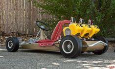 Vintage Go-Kart - 3 engines! Karting, Vintage Go Karts, Vintage Cars, Homemade Go Kart, Go Kart Plans, Go Kart Racing, Diy Go Kart, Drift Trike, Pedal Cars