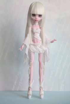Custom MH Dolls by Shigure Monster High Clothes, Custom Monster High Dolls, Monster Dolls, Monster High Repaint, Custom Dolls, Bratz, Doll Repaint, Ooak Dolls, Doll Painting