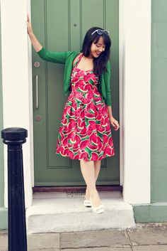 Watermelon Dress, i carried a watermelon? watermelon print, watermelon print dress, the cinnamon slipper, rebecca tan Quirky Fashion, Colorful Fashion, Boho Fashion, Vintage Fashion, Watermelon Dress, Watermelon Jelly, Classy Women, Classy Lady, Pin Up Style