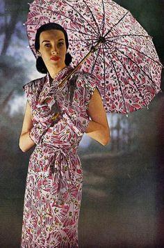 1945 1940s Fashion, Vintage Fashion, 1940s Dresses, Vintage Outfits, Vintage Clothing, Fashion Photo, Photographs, Photos, Female