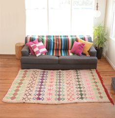 Colorful Moroccan Kilim Rug - Perfect for Your Living Room!