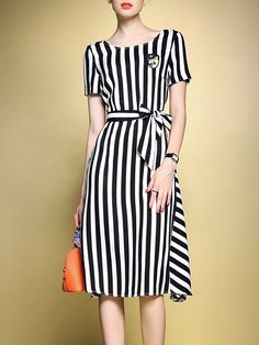 Are there your FAVE Midi Dresses? Check it out!