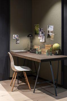 Een kurkwand kan dienstdoen als prikbord: ideaal voor in je werkkamer. #kurk #wand #prikbord Attic Inspiration, Space Interiors, Office Workspace, Home Office Design, Playroom, Modern Design, Interior Design, House Styles, Furniture