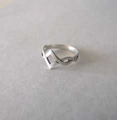 Small Celtic Knot Ring  silver ring  by shirlifantasyjewelry