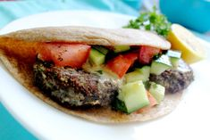 Black Bean Falafel Patties- these quick and easy falafels make a delicious snack or healthy vegan meal!