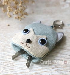 DIY Puppy key pouch - syberian husky (free sewing pattern) // Husky kutya kulcstartó - ingyenes szabásminta és varrási útmutató // Mindy - craft tutorial collection // #crafts #DIY #craftTutorial #tutorial