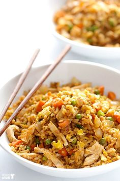 This spicy chicken fried rice recipe is kicked up a notch with some sriracha. And it& ready to go in less than 20 minutes! Spicy Chicken Fried Rice Recipe, Fried Chicken, Chicken Recipes, Cooked Chicken, Spicy Rice, Asian Chicken, Rice Recipes, Asian Recipes, Cooking Recipes