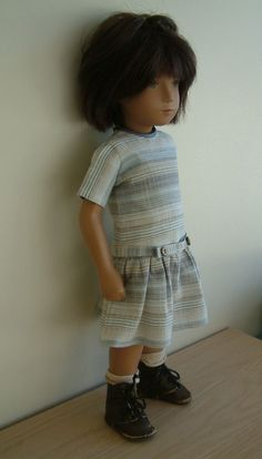 Dress , woollen hat , linen bag and silk pants for 17 inch Sasha doll in Jouets et jeux, Poupées, vêtements, access., Autres | eBay