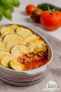 zapiekanka-z-cukinia-z-miesem-mielonym Keto Recipes, Snack Recipes, Dinner Recipes, Healthy Recipes, Dinner For 2, Cheese Ingredients, Food Inspiration, Good Food, Food Porn