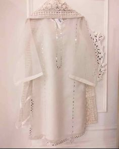 No photo description available. Stylish Dresses For Girls, Stylish Dress Designs, Simple Pakistani Dresses, Pakistani Dress Design, Pakistani Fashion Party Wear, Pakistani Outfits, Frock Fashion, Fashion Dresses, Fashion Styles