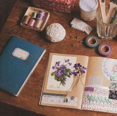 spring violets for art journal Bujo Inspiration, Art Journal Inspiration, Colour Inspiration, Creative Inspiration, Smash Book, Moleskine, Journal Pages, Junk Journal, Photo Journal