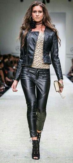 197 mejores imágenes de Black outfit en 2019  4a6f8e1e9c00